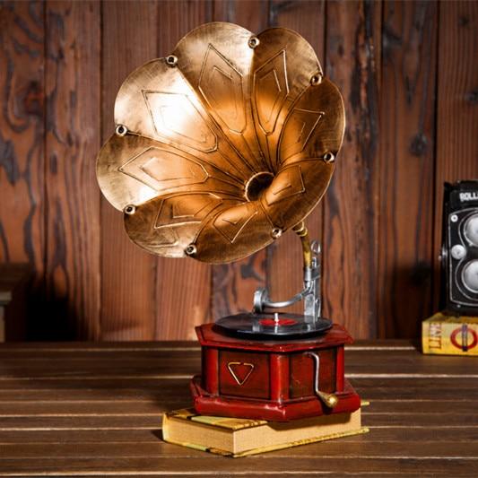 Jingmei europeo/Vintage Ventana de hierro forjado modelo fonógrafo accesorios de tornamesas adornos antiguos de decoración suave