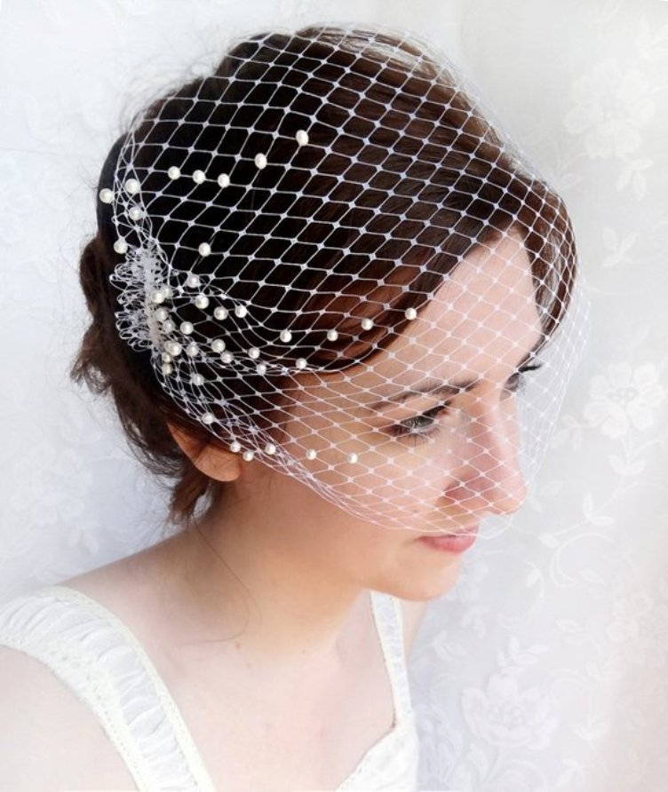 Birdcage veil with pearls, wedding bandeau veil, small birdcage veil - Blush fascinator fingertip veil with small flowers