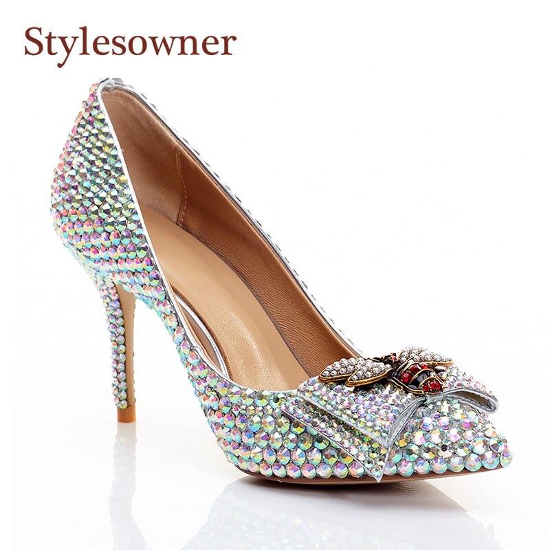 Stylesowner Abelha Strass Bombas Sapatos para Senhora Elegante Moda Deslizar sobre 8.5 centímetros Salto Fino Bom Sapato de Casamento Sapatos de Festa couro