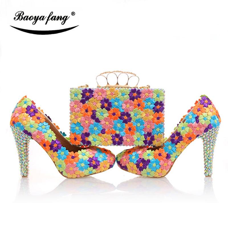 باويافانغ حذاء للزفاف متعدد الألوان مزين بالزهور والكريستال اللامع للنساء مع حقائب متماثلة براثن بكعب عالي للنساء
