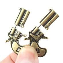 SHUANGR Steampunk 더블 권총 총 모양의 스터드 귀걸이 여성을위한 보석 boucle d oreille pistolet 선물