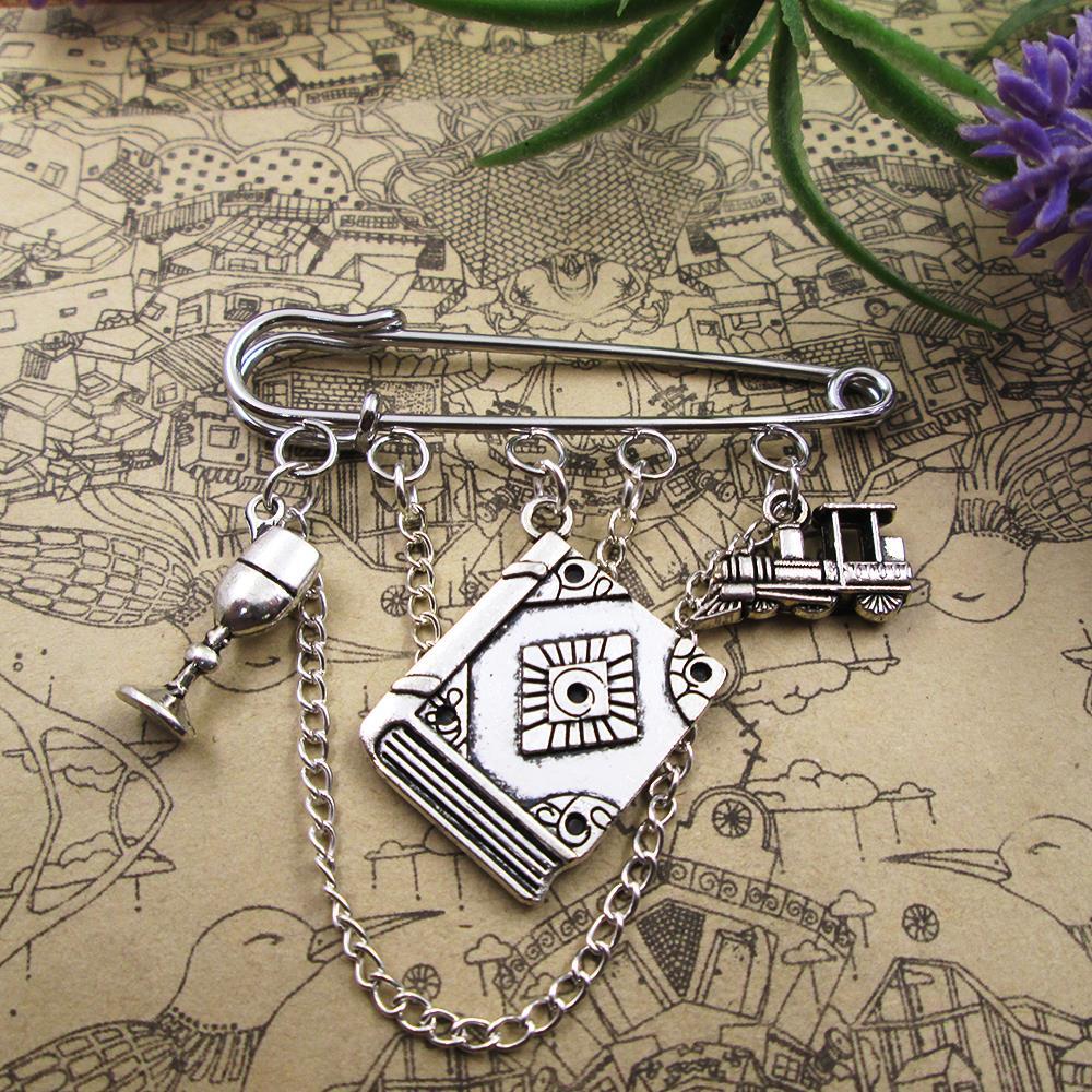 Broche amuleto de mago kilt pin Snitch Dorada mochila distintiva Express tren mago insignia regalo de cumpleaños