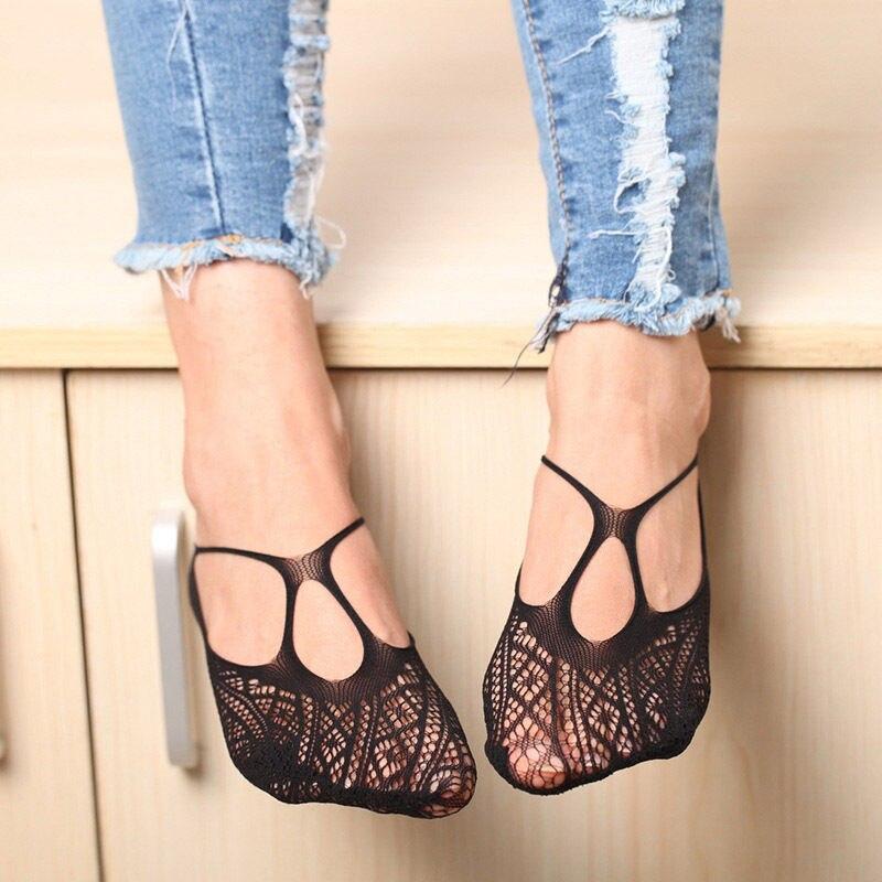 Net Sock Slippers for Sexy Women Cross Lace Sock Slippers High heels Invisible Liner Low Cut Socks Random Pattern