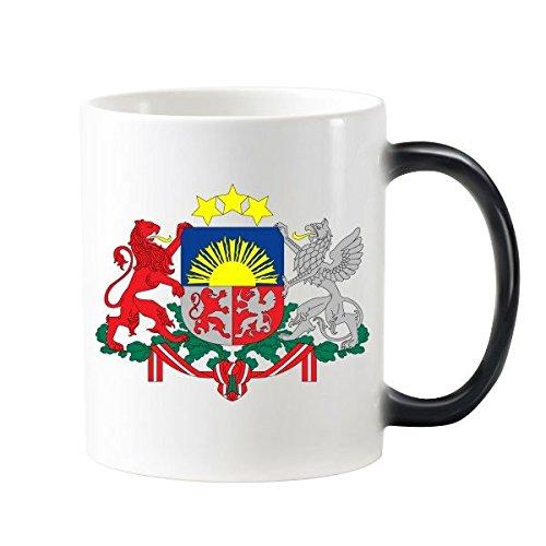 Tasse à café lait avec poignées 350 ml   Emblème National de la lettonie avec motif de pays sous forme de Morphing sensible à la chaleur, tasse de couleur changeante