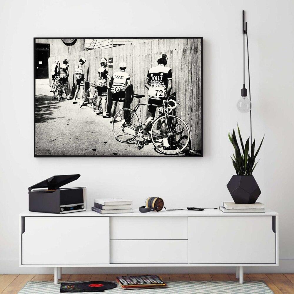 Bicicleta negra y blanca ciclismo impresión bicicleta Vintage foto póster regalo para decoración de baño hombres meando camino ciclismo pared arte