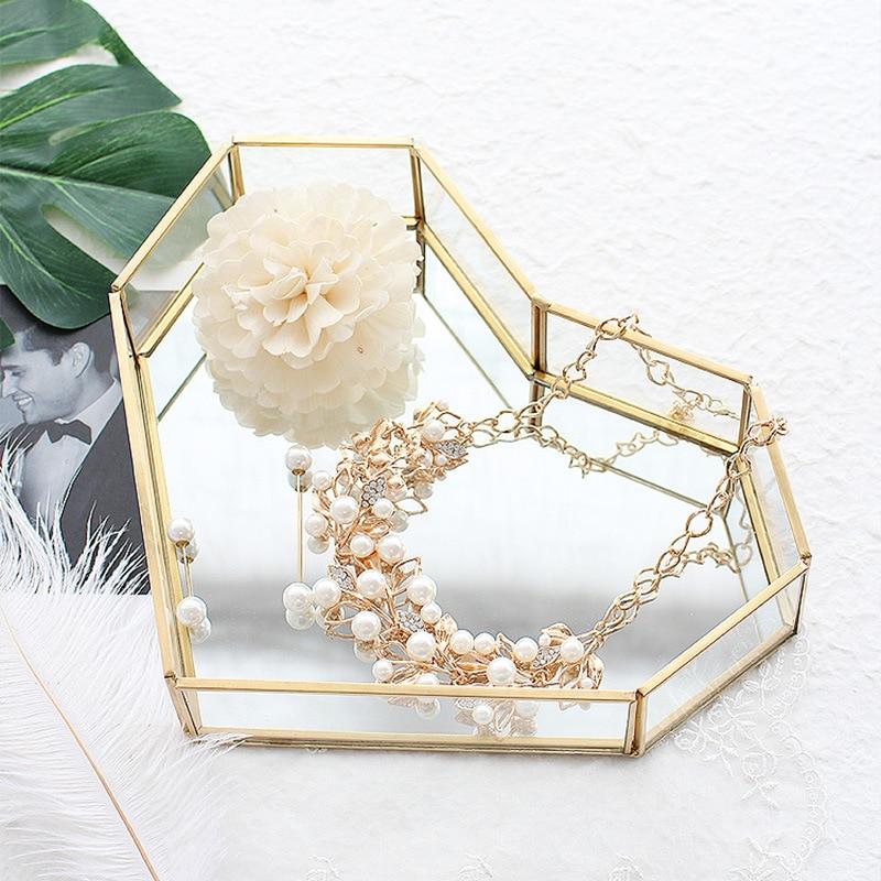 Bandeja de almacenamiento de latón nórdico con forma de corazón, organizador de maquillaje de cristal Vintage, bandeja de joyería, caja de exhibición de la baratija con fondo espejado