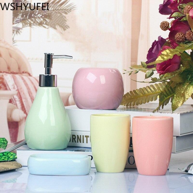 Juego de lavado de baño de cerámica de 5 piezas con textura elegante y elegante tazas para parejas, artículos de aseo para baño WSHYUFEI