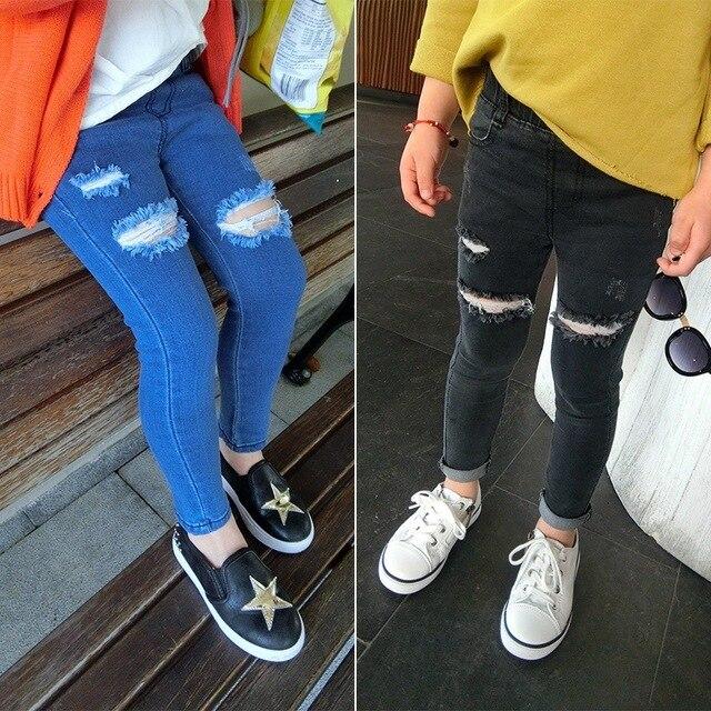 Otoño niñas niños de algodón Skinny Jeans niños Hole pantalones lápiz pantalones chica negro/azul rasgado Jeans para 3-7 años Jeans niños