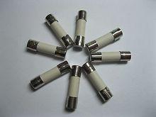 10 Uds. Fusibles cerámicos de soplado lento 2.5A T2.5A 250V 5mm x 20mm
