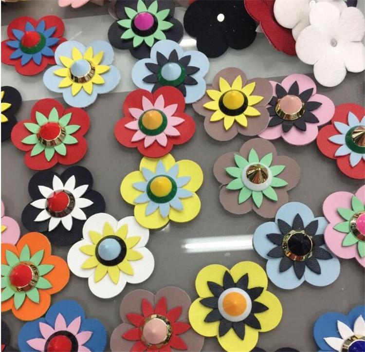 Hot 5 pcs Bagagem de Couro Pu Flor Artesanato Rebite Colorido Contraste Cor Flores Cabeça Diy Cinto/cinta Rebites Mochila sapatos