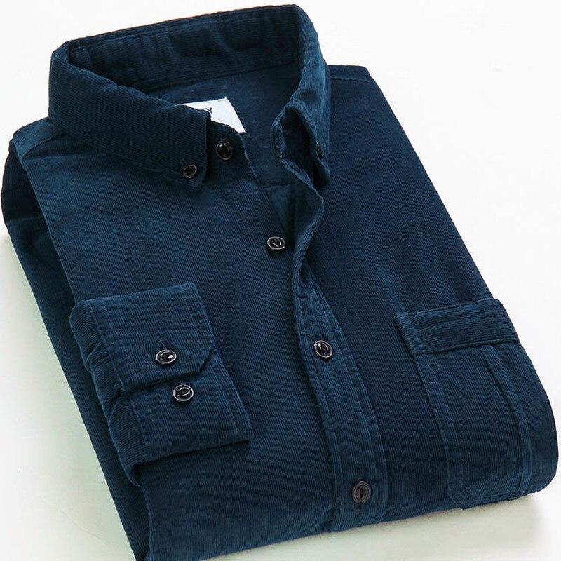 Camisa de algodón de calidad de pana cálida y suave con botones y mangas largas, ajustada y cómoda para otoño