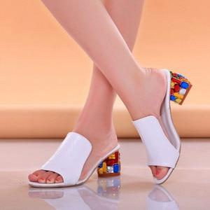 Women Sandals Ladies Summer Slippers Shoes Women high Heels Sandals Fashion Rhinestone summer shoes new 818W