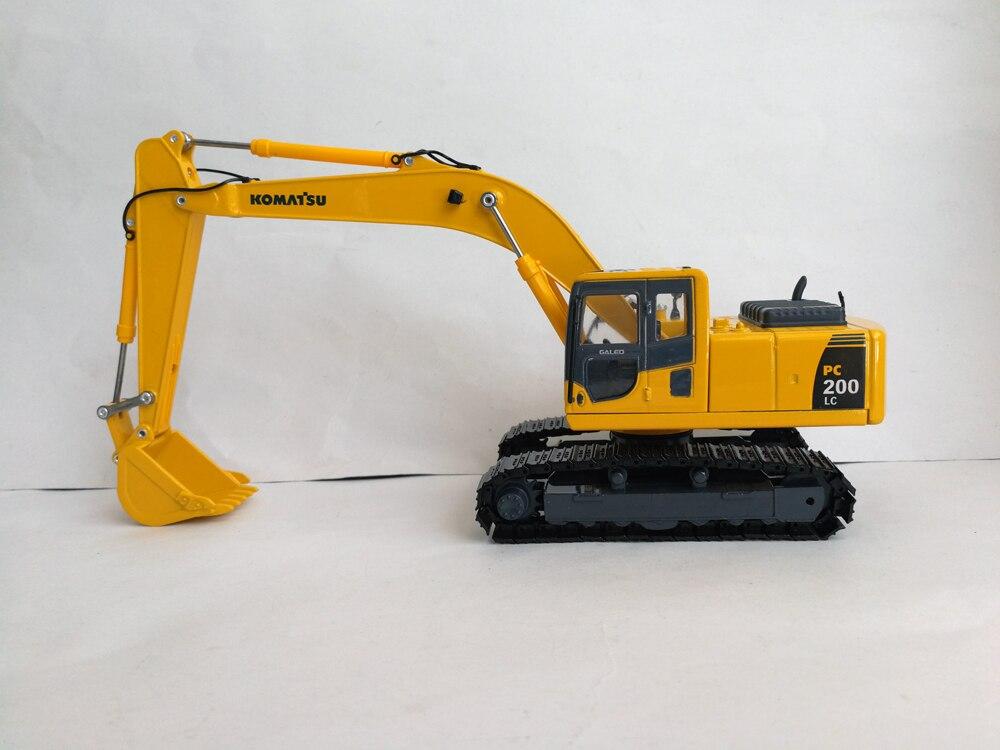 143 Komatsu PC200-8 EXCAVATOR toy
