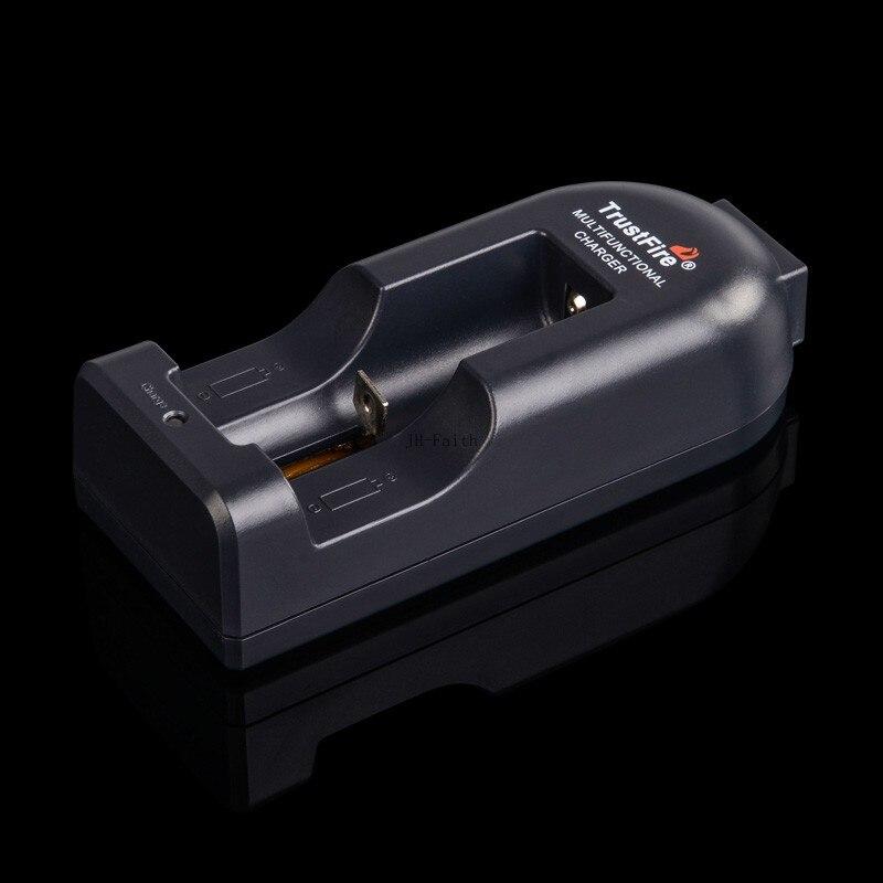 Многофункциональное зарядное устройство TR002 для литиевых батарей, одна для батарей 18650 14500 10440 17670 18500