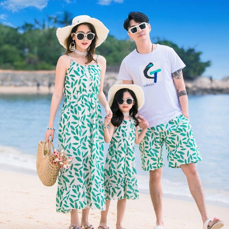 Vestidos de verano para madre e hija, vestido largo sin mangas con estampado de hojas verdes para niñas, maxivestido bohemio de chifón para mujer, camiseta para hombre