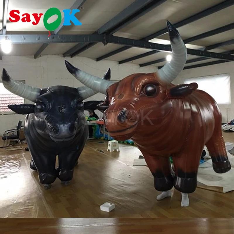 Touros espanhóis infláveis do costume inflável do touro do design vívido para a festa do evento