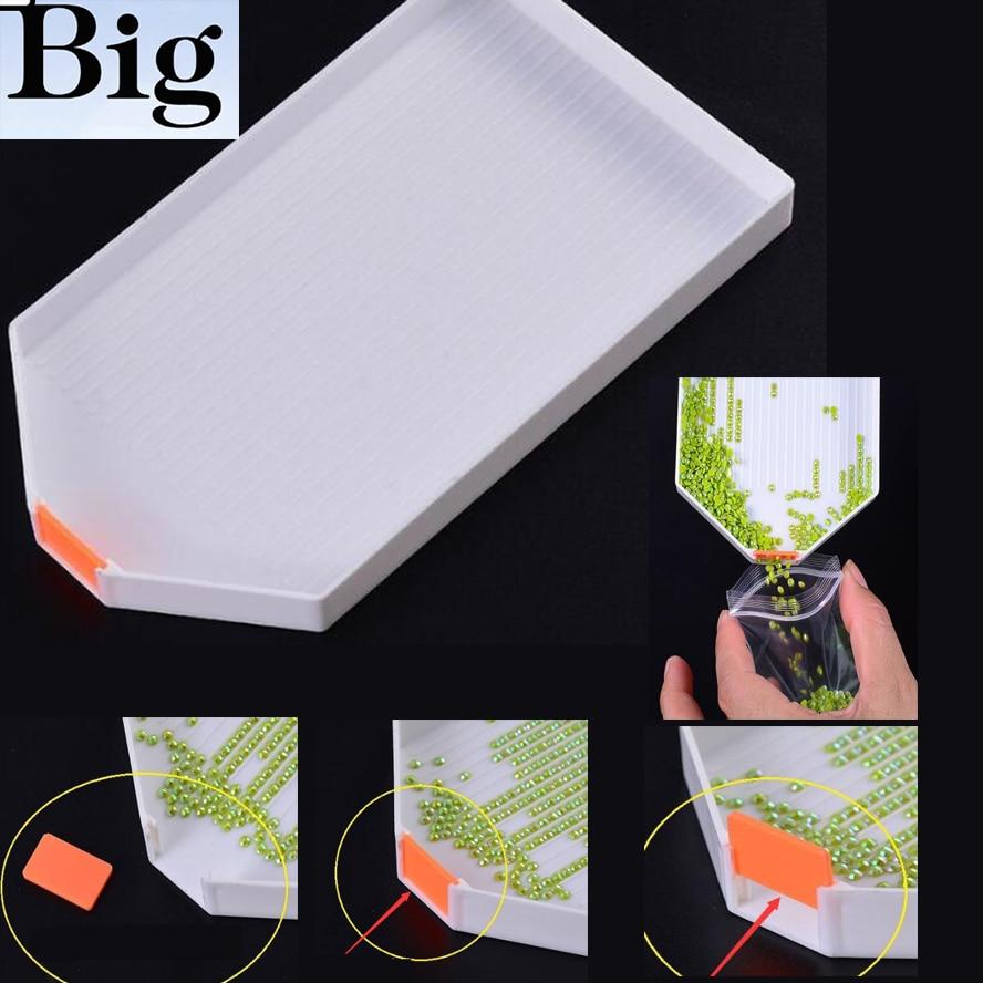 Venta al por mayor 3D DIY pintura de diamantes accesorios de bordado y diamantes gran capacidad Gran Placa de perforación bandeja de plástico grandes Kits