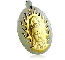 Pendentif kwan-yin sculpté en jadéite naturelle en or jaune 24 K