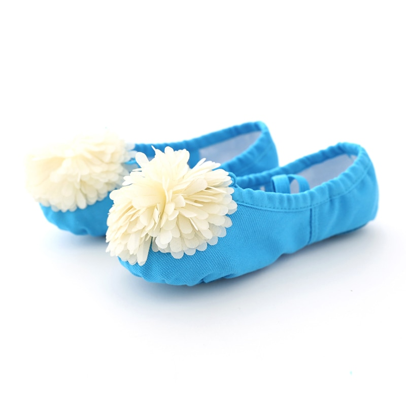 girls flower shoes children canvas shoes 2018 autumn fashion embroidered girls soft breathable cloth kids dance shoes high heels Soft Canvas Ballet Dance Shoes for Girls Kids Children High Quality Dance Slipper with Beautiful Flower