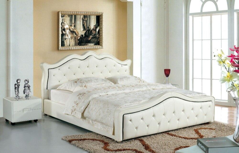 Cama suave de cuero genuino moderno de diseñador/cama doble king/queen size, muebles para el hogar, color blanco con botones de cristal
