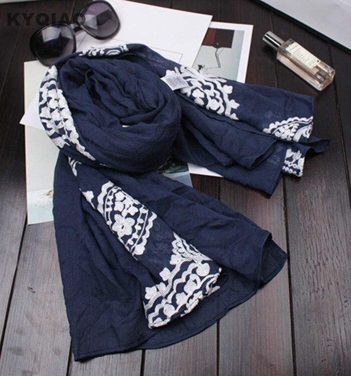 KYQIAO шарф с этническим принтом для женщин осень японский стиль свежий Винтажный Длинный темно-синий шарф с вышивкой шарф, подарок на кашне