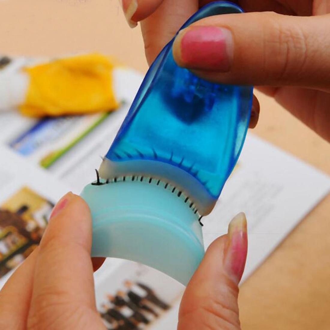 1 stück Arc-förmigen Falsche Wimpern Applikator Wimpern Clip Mascara Curler Gefälschte Wimpern Pinzette Machen Up Werkzeug Zufällige farbe