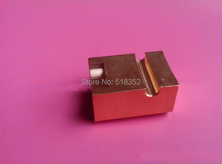 20EC090A401 Makino bloque de fuente de alimentación de cabeza de máquina inferior en latón, piezas de la máquina de corte de alambre de WEDM-LS