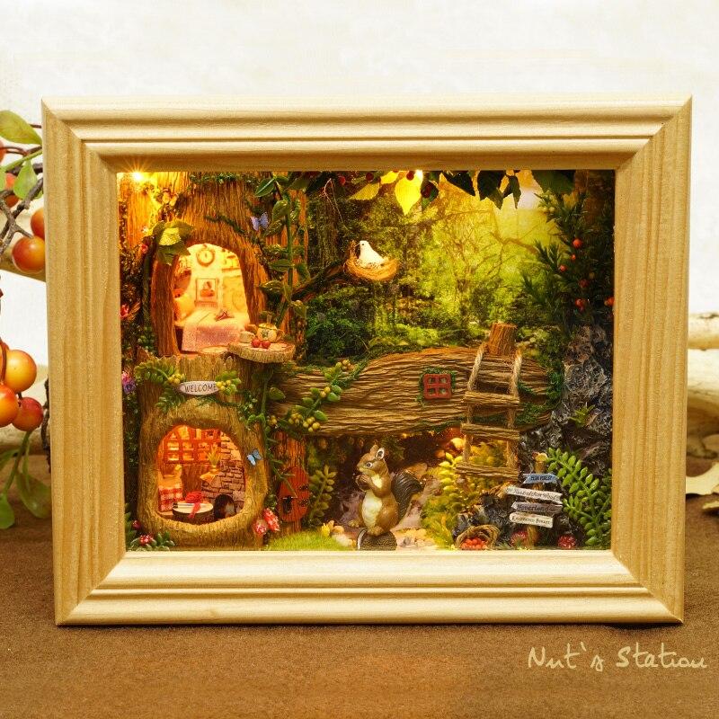 CUTEBEE DIY בובת בית עץ בתי בובות מיניאטורי בית בובות ריהוט קיט לילדים מתנה אגוזי תחנת בתי W006