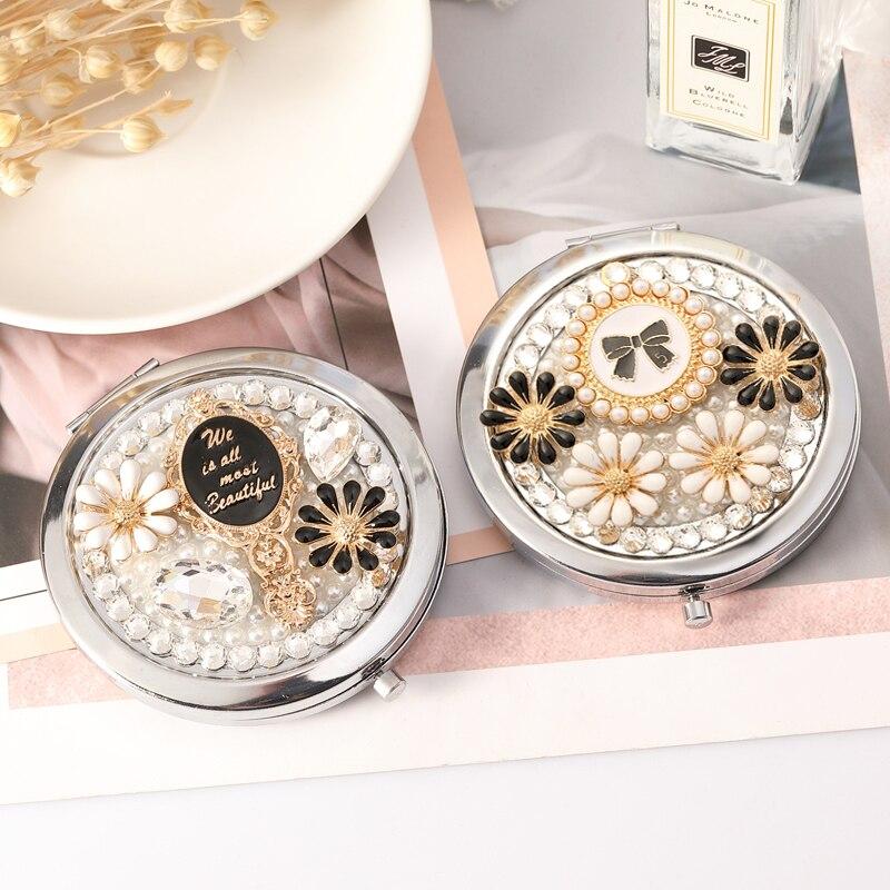 2 unids/lote, grabar palabra libre, cristal ostentoso bolso niña flor, espejo compacto de maquillaje de bolsillo de belleza Mini, regalo para Amiga de fiesta de boda