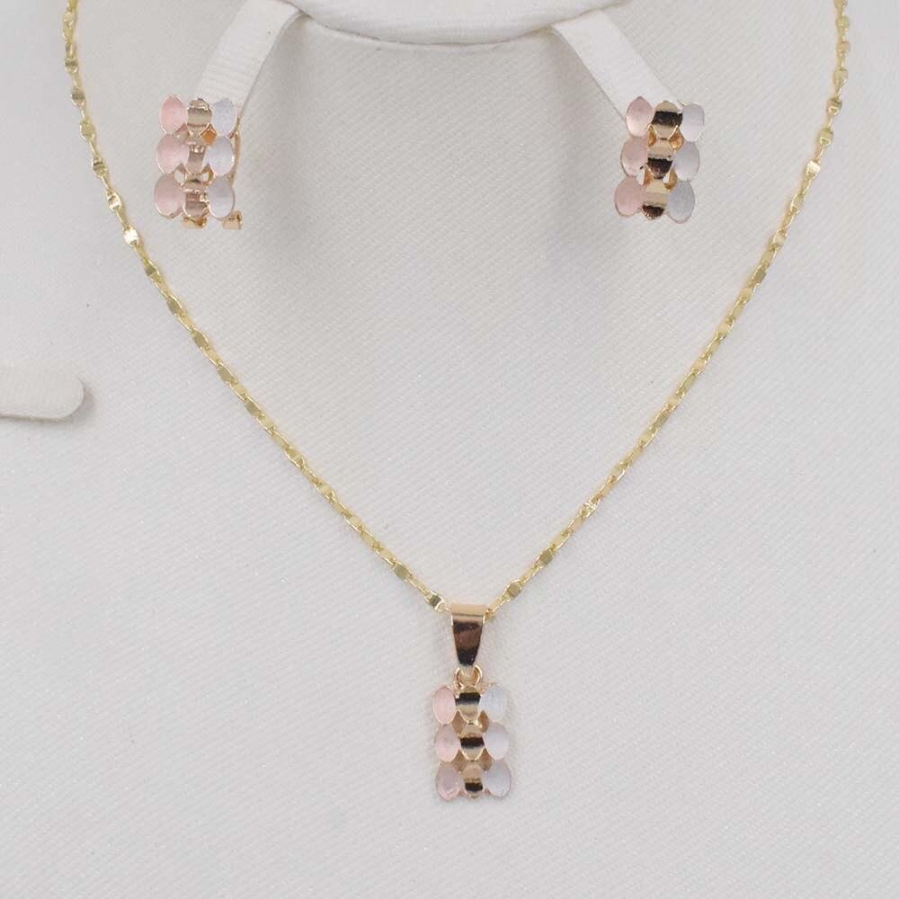 2020 nuevo collar de oro único collar de moda circular pendientes joyería para mujeres en Dubai
