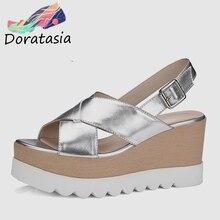DORATASIA 2020 جديد الصيف النساء صنادل أرضية سميكة براءات الاختراع والجلود فتاة الموضة الصيف أحذية امرأة أسافين الأحذية