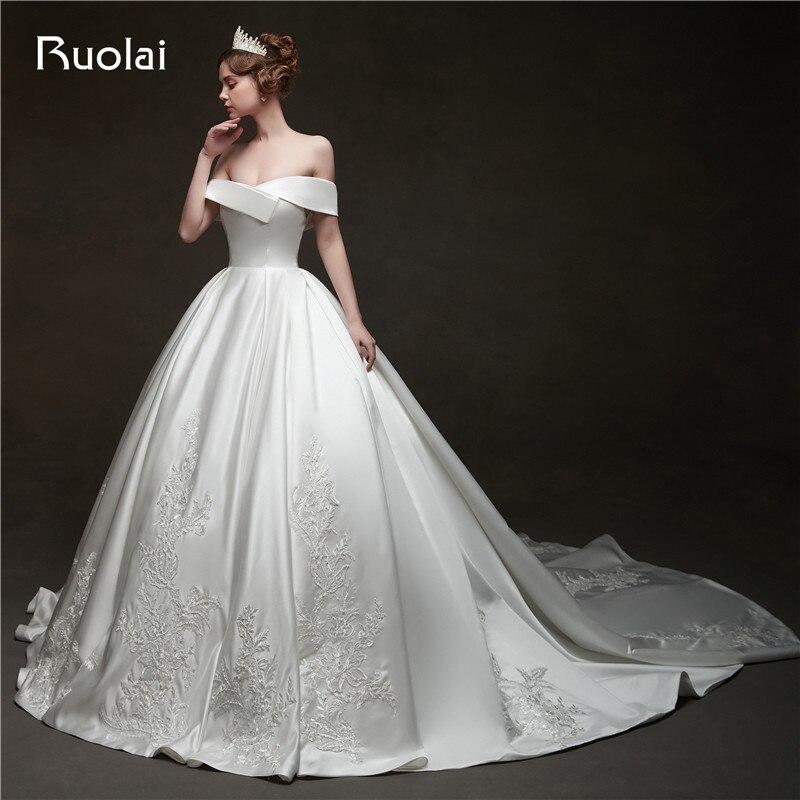 فستان زفاف ساتان ، أكتاف عارية ، فستان زفاف ، دانتيل ، مطرز ، RW27 ، مجموعة 2020