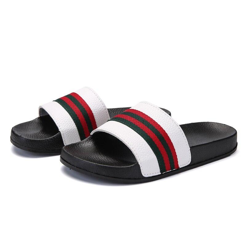 2019 Men Slippers Summer Flat Breathable Home Slippers White Fashion Platform Shoes Men Slippers Luxury Design Shales Sandals