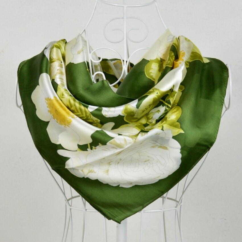 Nouveau blanc vert 100% mûrier soie foulards imprimé, offre spéciale motif de fleurs 100% soie crêpe Satin écharpe châle imprimé 90*90cm