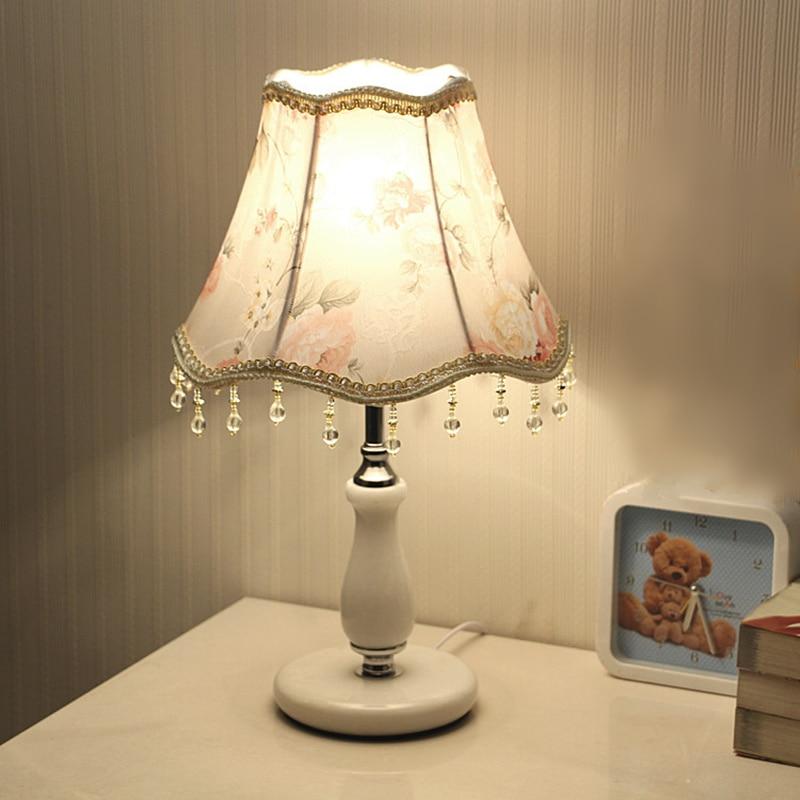 Lampe de Table réglable chambre LED lampe de table fer tissu décoration lampe de chevet maison luminaire éclairage pour salon E27
