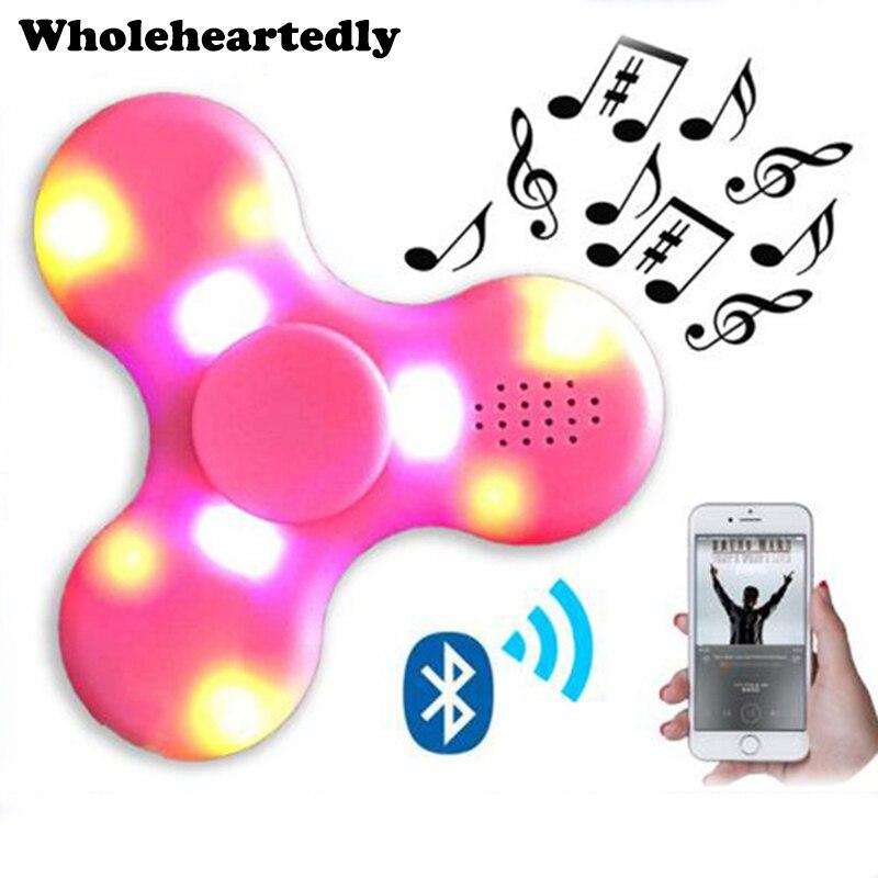Altavoz Bluetooth inalámbrico triángulo Gyro LED luz Fidget Altavoz bluetooth Tri-altavoz giratorio Spinner de audio gadgets