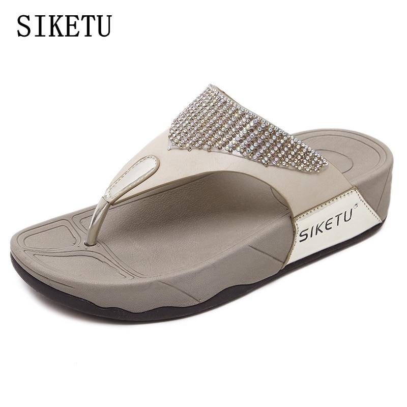 SIKETU verano mujeres zapatos de moda suave mujeres zapatillas diamante antideslizante cómodo más tamaño mujer zapatillas Sandalias femeninas