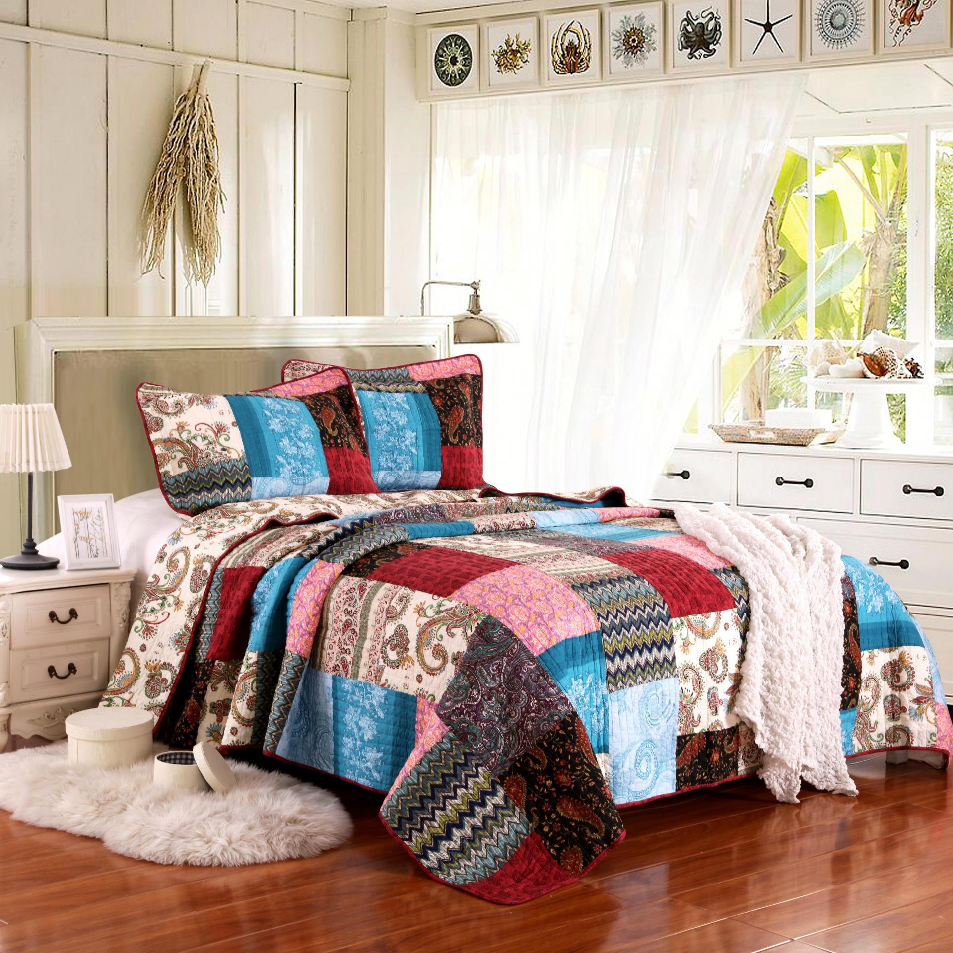 Famvotar 3pcs Luxury Quilt Bohemian Cotton Patchwork Quilted Coverlet Bedspread Bright Vibrant Floral Paisley Bedding Set Queen