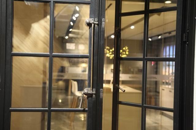 Puertas de acero arquitectónico, ventana de repuesto, costo de reparación de ventanas de acero, crittall, ventanas comerciales, marco de metal para ventanas
