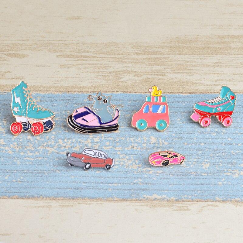 Broche de polea de coche recreativo de deportes divertidos para niños, regalo para niños, insignia esmaltada colorida, joyería, mochila, broche de coche