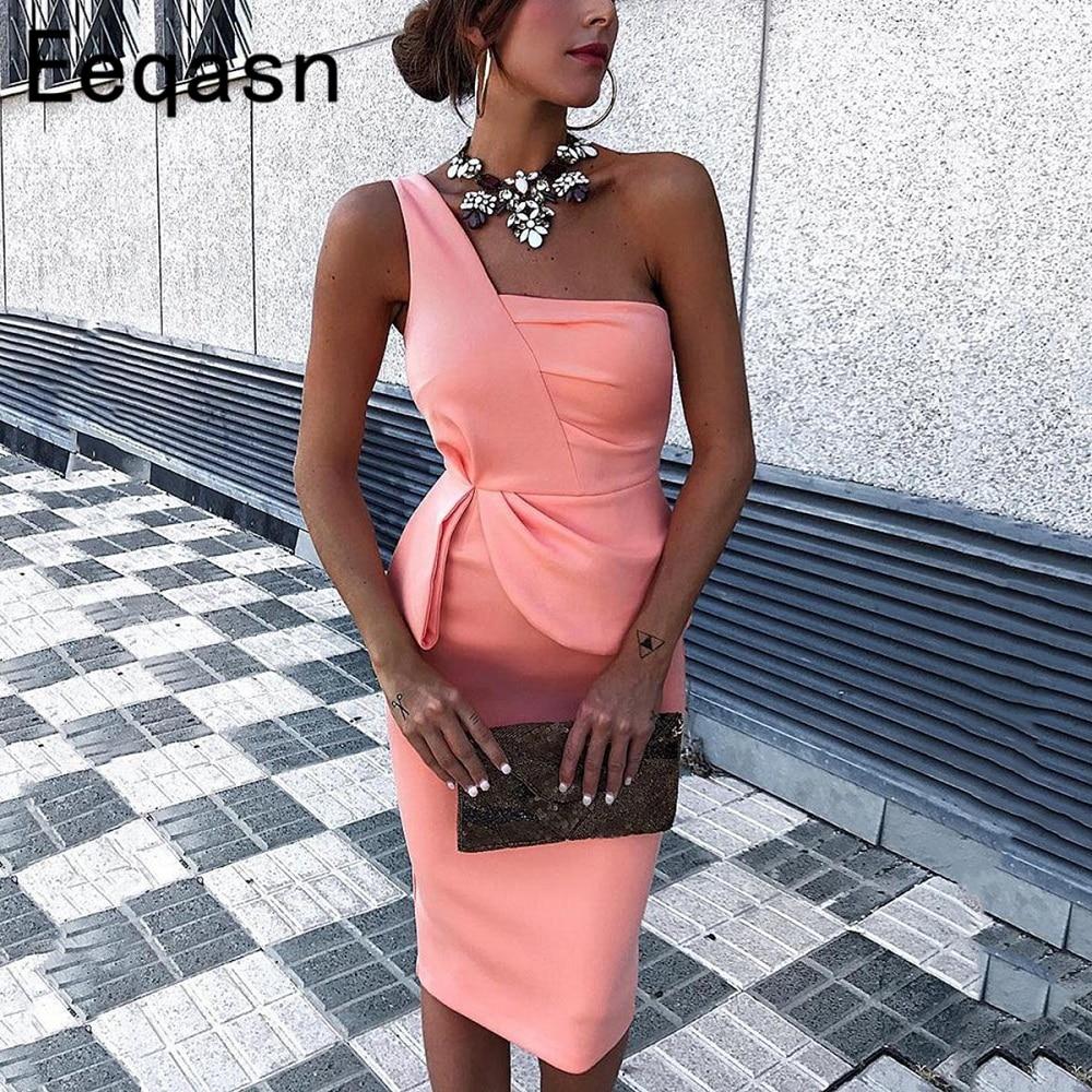 Pembe kısa kokteyl elbiseleri 2020 seksi zarif bir omuz kılıf kadın diz boyu örgün parti kıyafeti artı boyutu