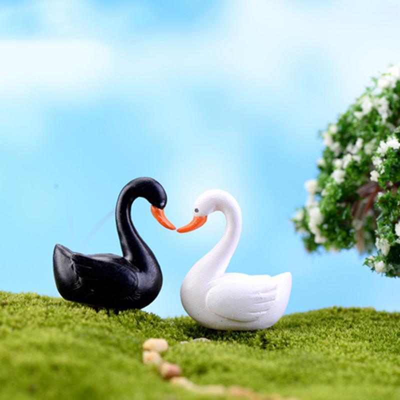 Nueva gran oferta 2 colores negro blanco Cisne jardín ornamento figura en miniatura para maceta decoración de jardín de hadas