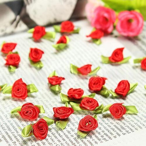 Oferta 100 Uds Mini rosa de lazo de raso flor hoja decoración de boda apliques costura DIY Color principal rojo