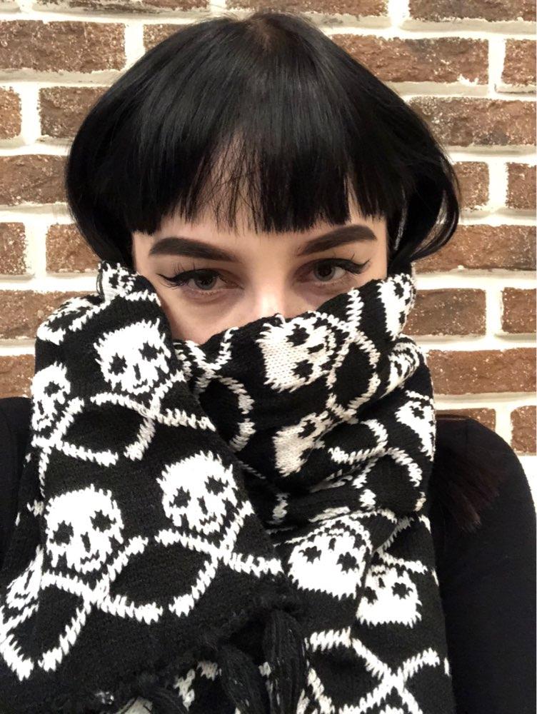 Wholesale Italy stylish skull winter knitted unisex women men scarf skeleton acrylic scarf wraps wit
