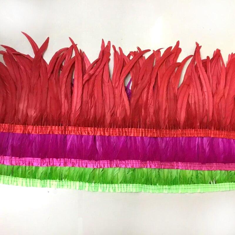 O Envio gratuito de 10 Metros/lote colorido Pena Galo coque Pena Apara 30-35 cm largura amarrados Penas De Frango De corte