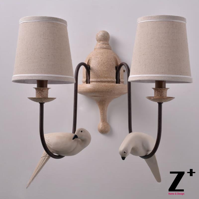 País vintage de metal de hierro forjado lámpara de pared con dos resina pájaro paloma y Telas pantalla envío libre