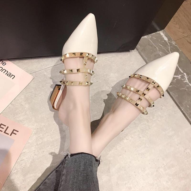 Zapatillas planas de mujer Slip On Mules marca de diseñadores 2019 moda de lujo remache t-strap slips On mocasines mulas A00128