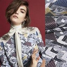 Tissu en Satin de soie Strech femme   Tissu de soie gris noir, imprimé géométrique de 105CM de large, 20MM, vêtements pour femmes, chemise Cheongsam C009