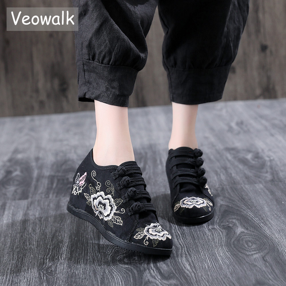 Veowalk الخفية زيادة منصة النساء المطرزة قماش رياضية ، الرجعية السيدات الراحة الزواحف الصينية التطريز أحذية