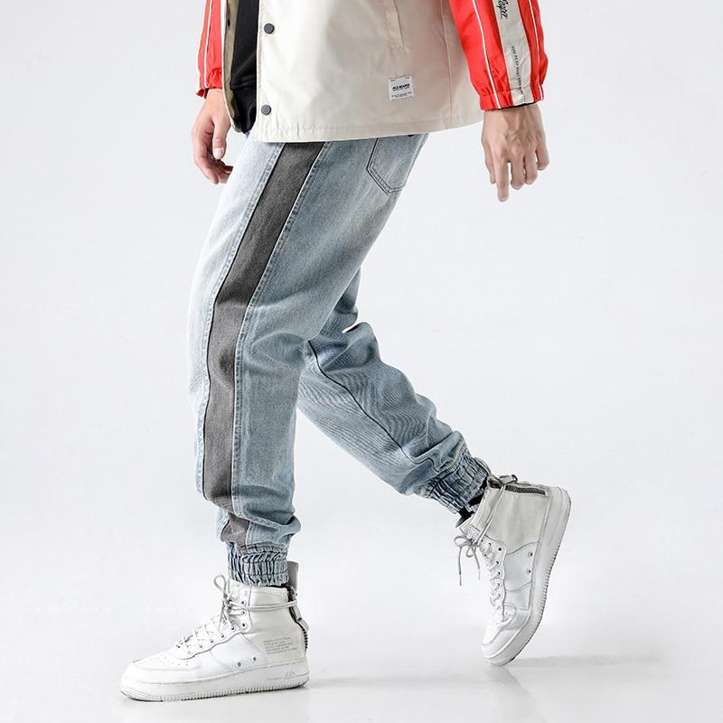 2020 High Street Fashion Men Jeans Light Blue White Wash Stripe Spliced Tapered Pants Punk Style Jogger Pants Hip Hop Jeans Men